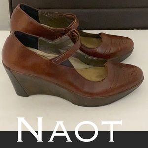Authentic Naot leather wedge Mary Jane heels sz 8